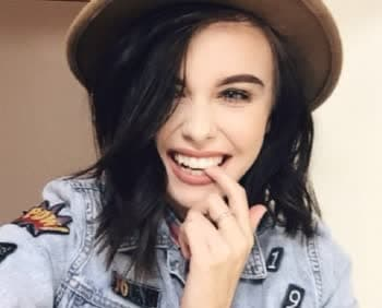 Acacia Brinley - Bio, Age, Height, Weight, Body Measurements