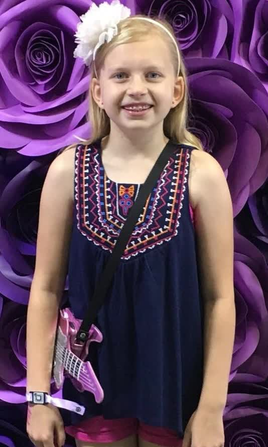 Alyssa Familyfunpack Bio Age Height Weight Body Measurements