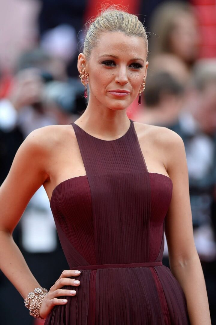 Blake Lively - Bio, Age, Height, Weight, Body Measurements ...