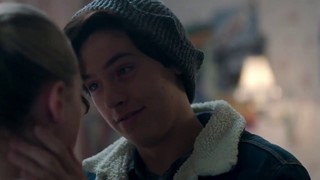 Cole Sprouse Bio Age Height Weight Net Worth Facts And Family Idolwiki Com