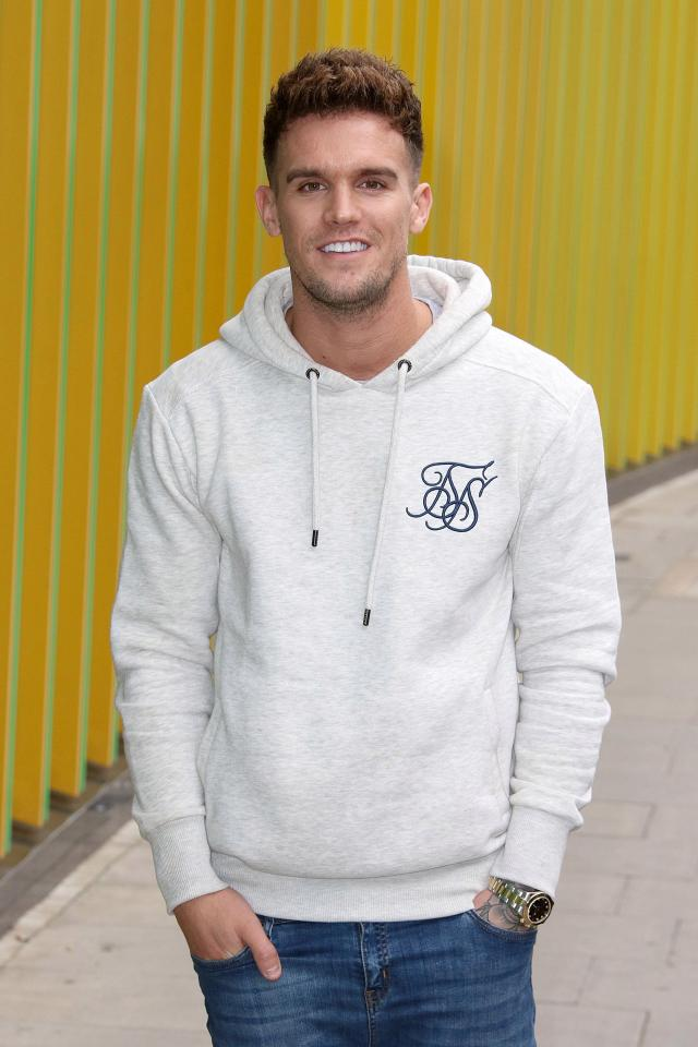 Gaz Beadle Bio Age Height Weight Net Worth Facts And Family Idolwiki Com
