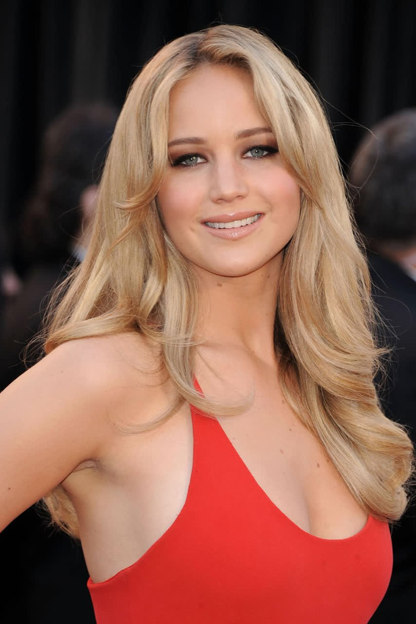 Jennifer Lawrence - Bio, Age, Height, Weight, Body ...
