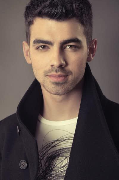 Joe Jonas Bio Age Height Weight Net Worth Facts And Family