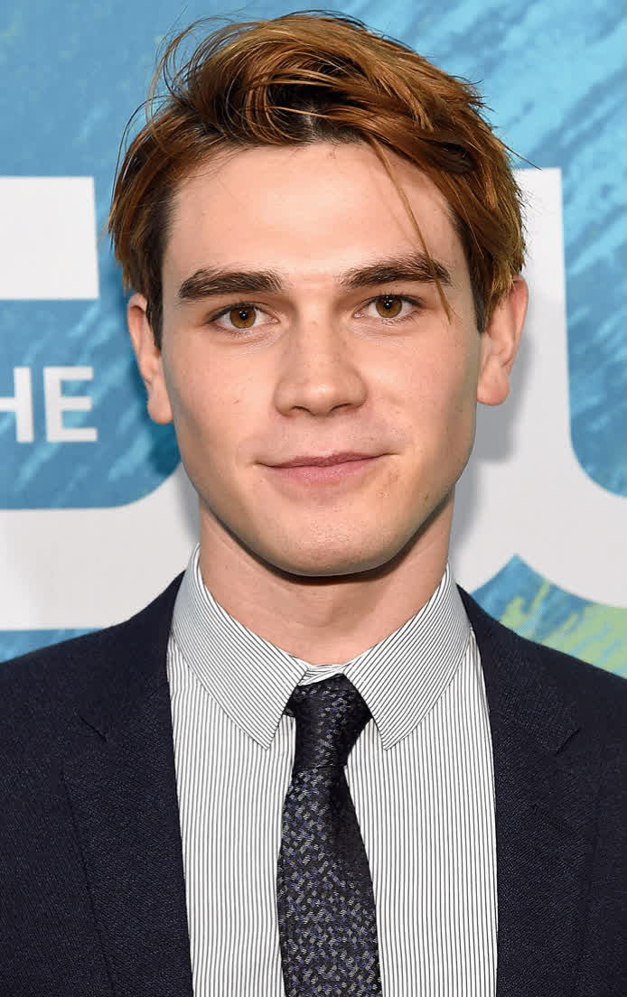 Kj Apa Bio Age Height Weight Net Worth Facts And Family
