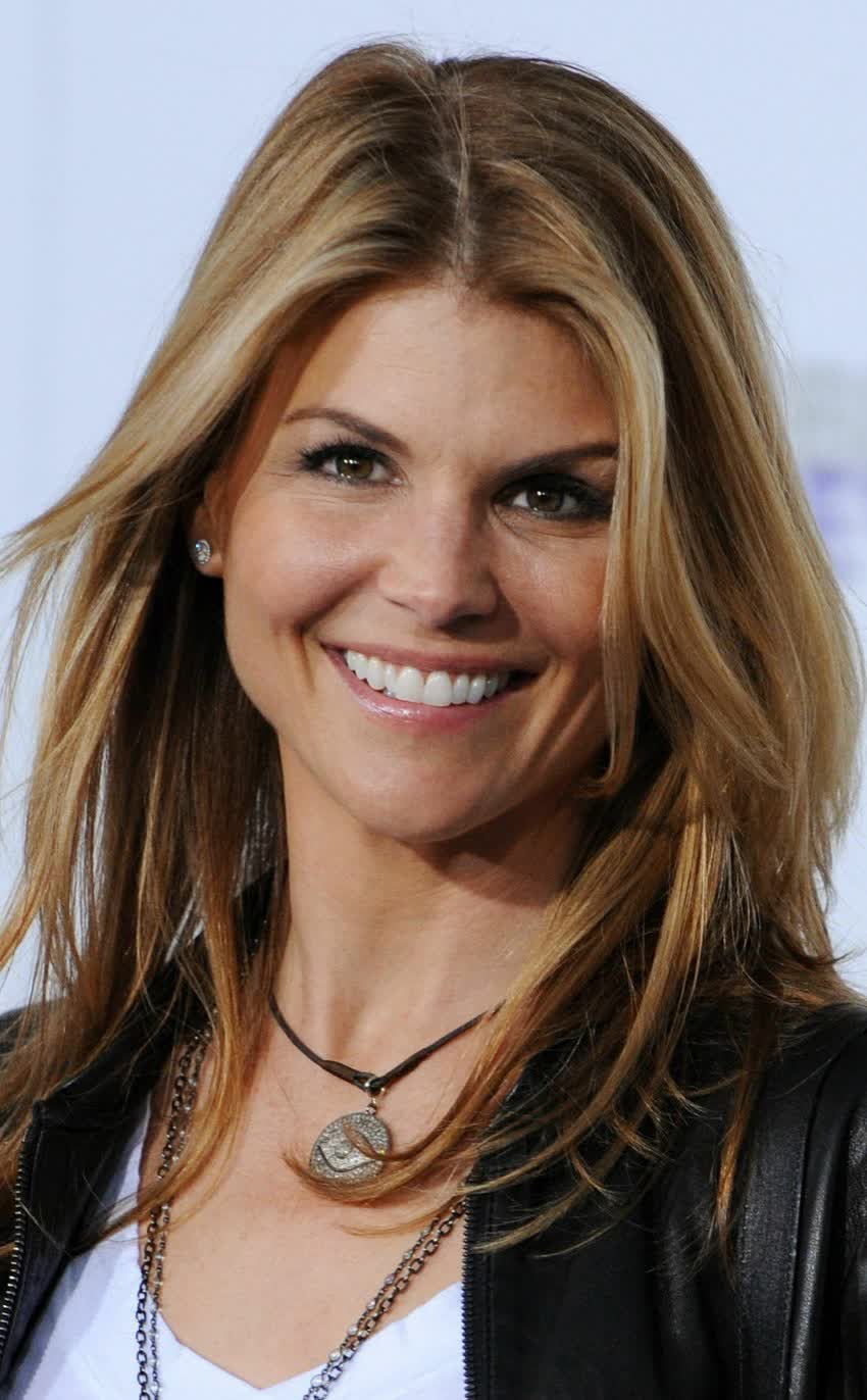 lori loughlin bio age height weight body measurements net