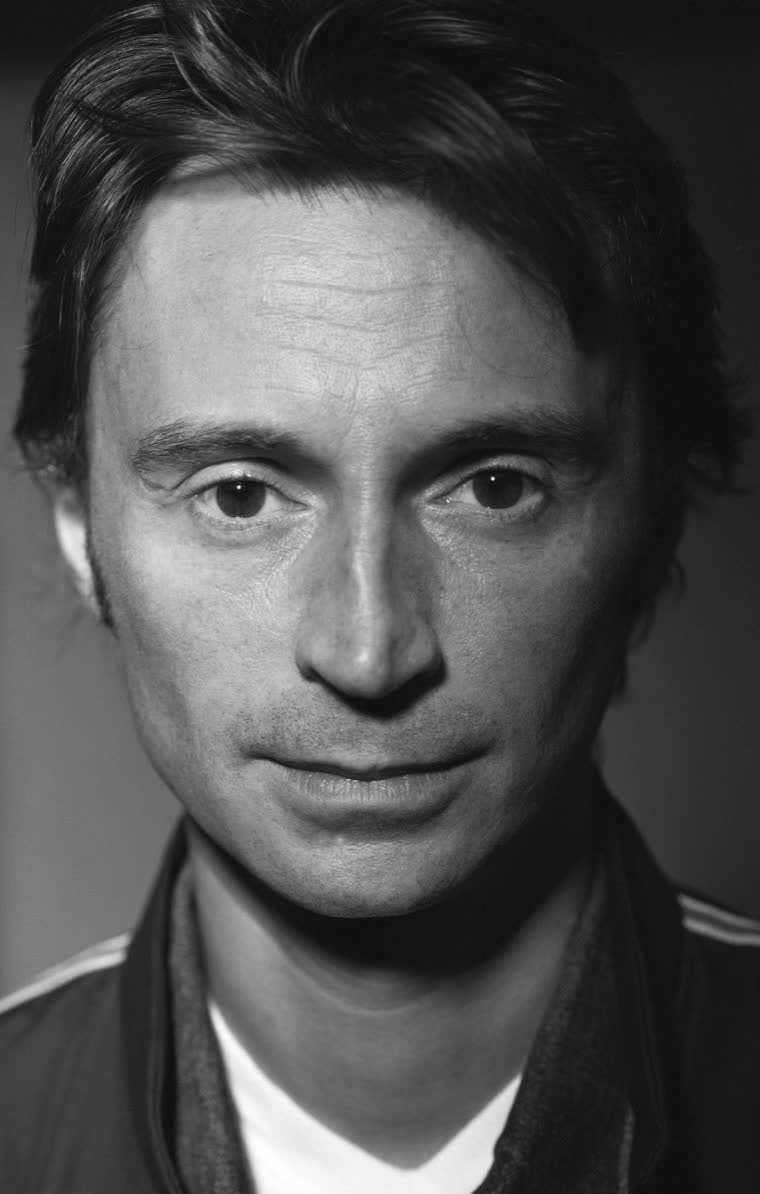 picture Robert Carlyle (born 1961)