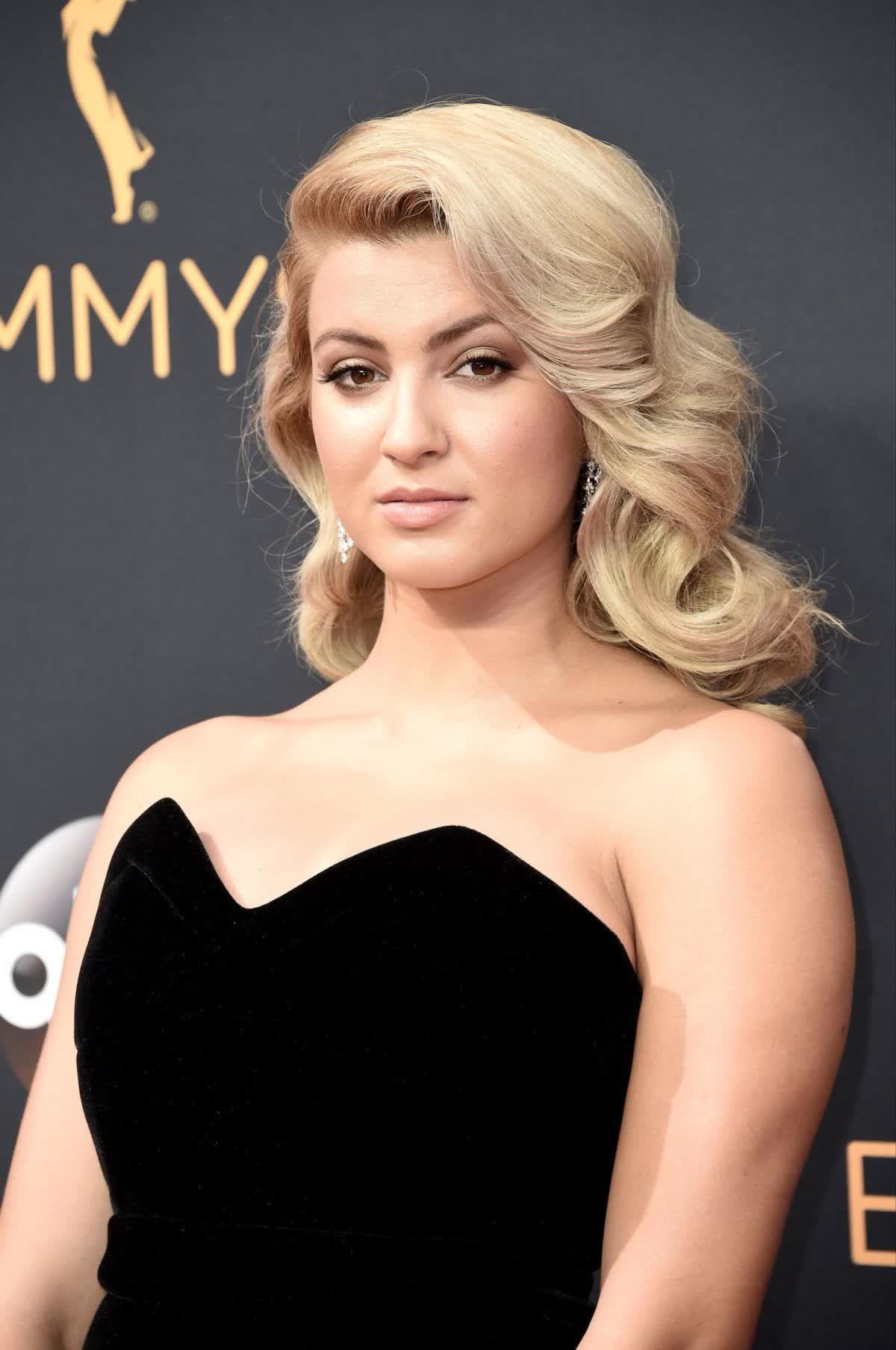 Tori Kelly Nude Photos 58